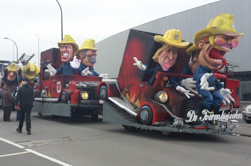 Carnaval Aalst terug doorspekt met de typische pittige humor - aalst carnaval