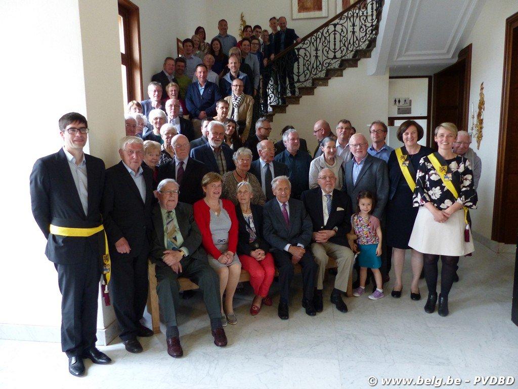 Verdienstelijke Dilbekenaren ontvangen eremedaille - Image00075