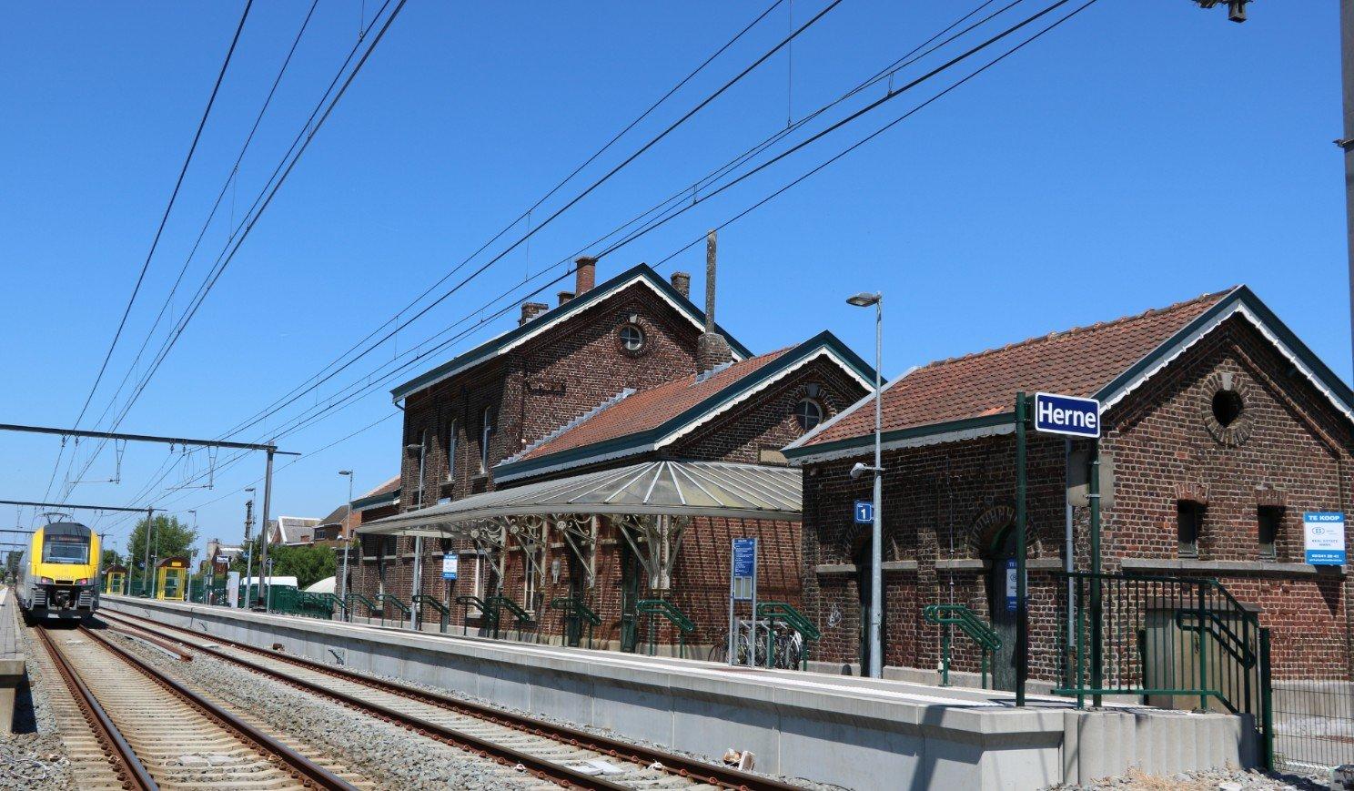 NMBS zoekt koper voor stationsgebouw van Herne - station herne nmbs