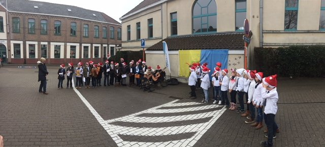 Eerste geschonken AED in Dilbeek onthuld - IMG 1410