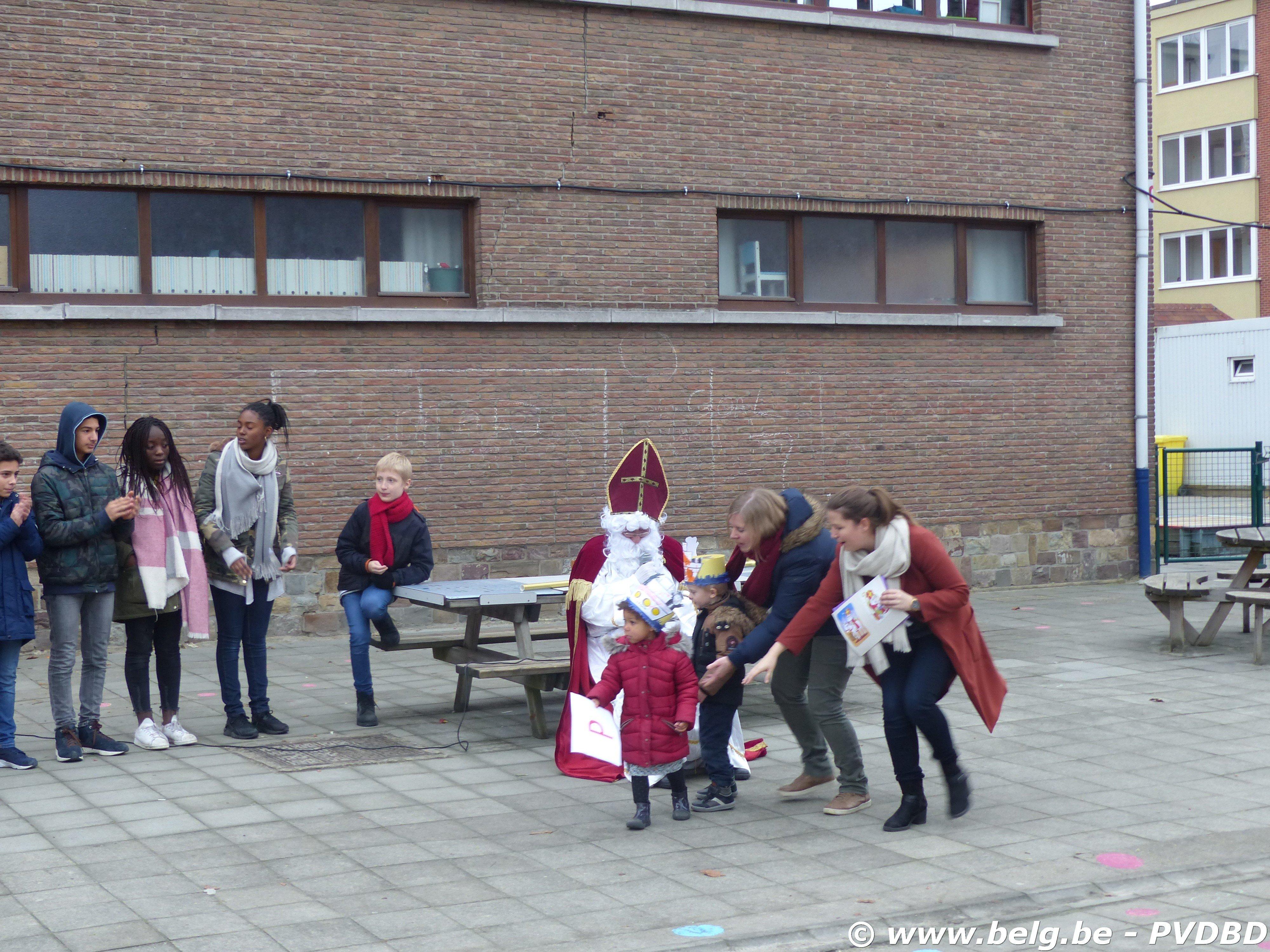 Jan Ruusbroec school verwelkomen Sint en Piet - P1110768