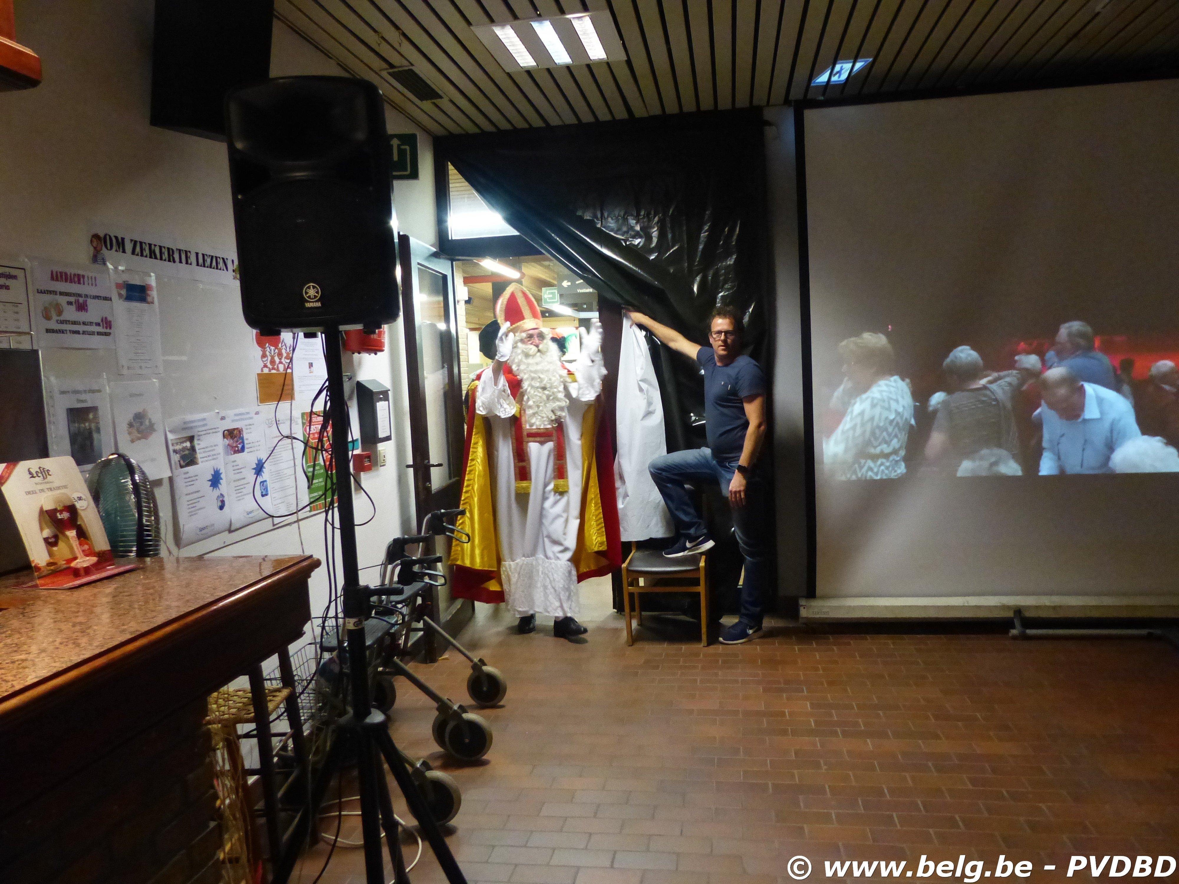 Sint vergeet Dilbeekse senioren niet - P1110942