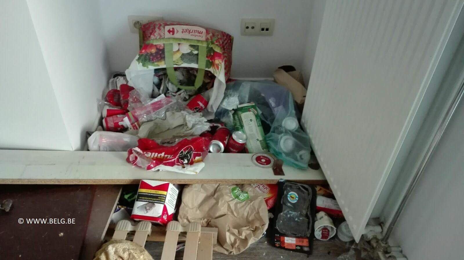 Huurhuis in Geraardsbergen na enkele maanden een ravage - IMG 1111