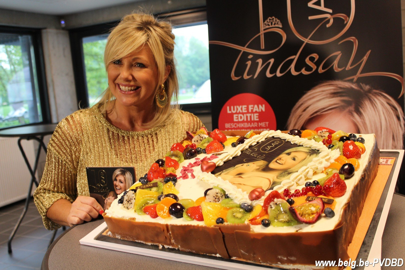 Lindsay scoort met '10 Jaar Lindsay' haar 3denummer 1-album in de Vlaamse Ultratop - IMG 7408