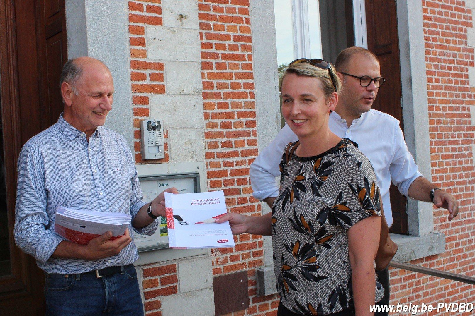 DUO-UNIZO Dilbeek overhandigen prioriteitenlijst aan fractieleiders - IMG 8234