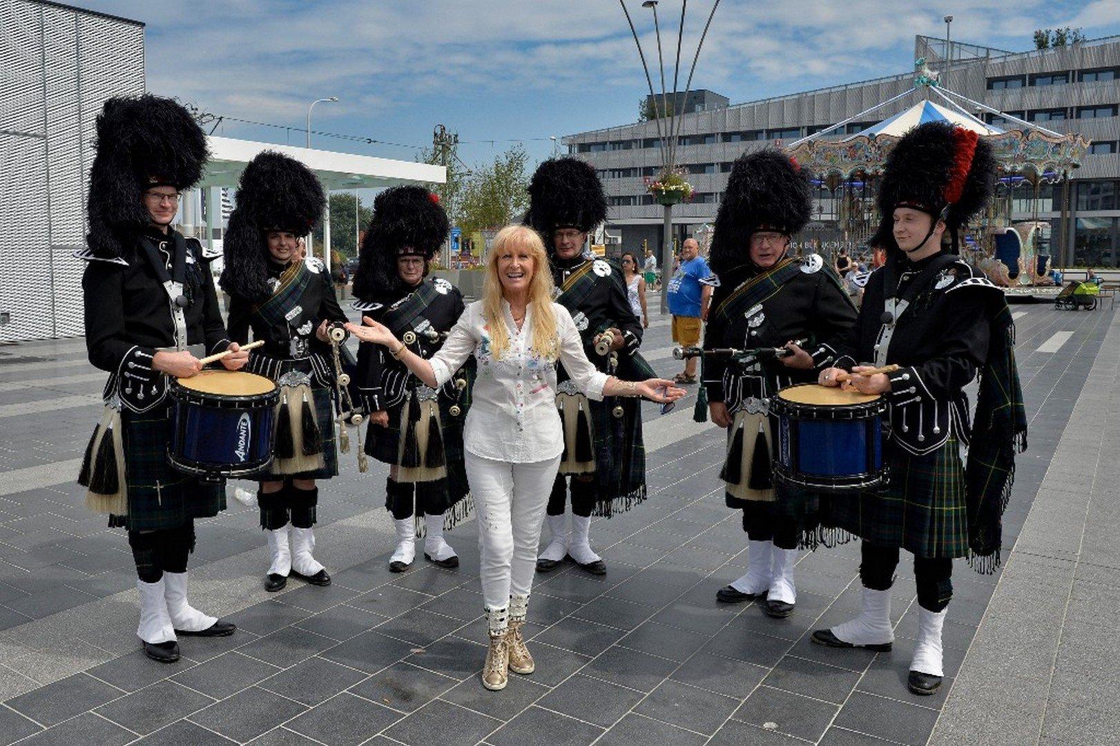"""Micha Marah wordt 65: """"Ik droom van musical en theater - Music Show Scotland 4"""