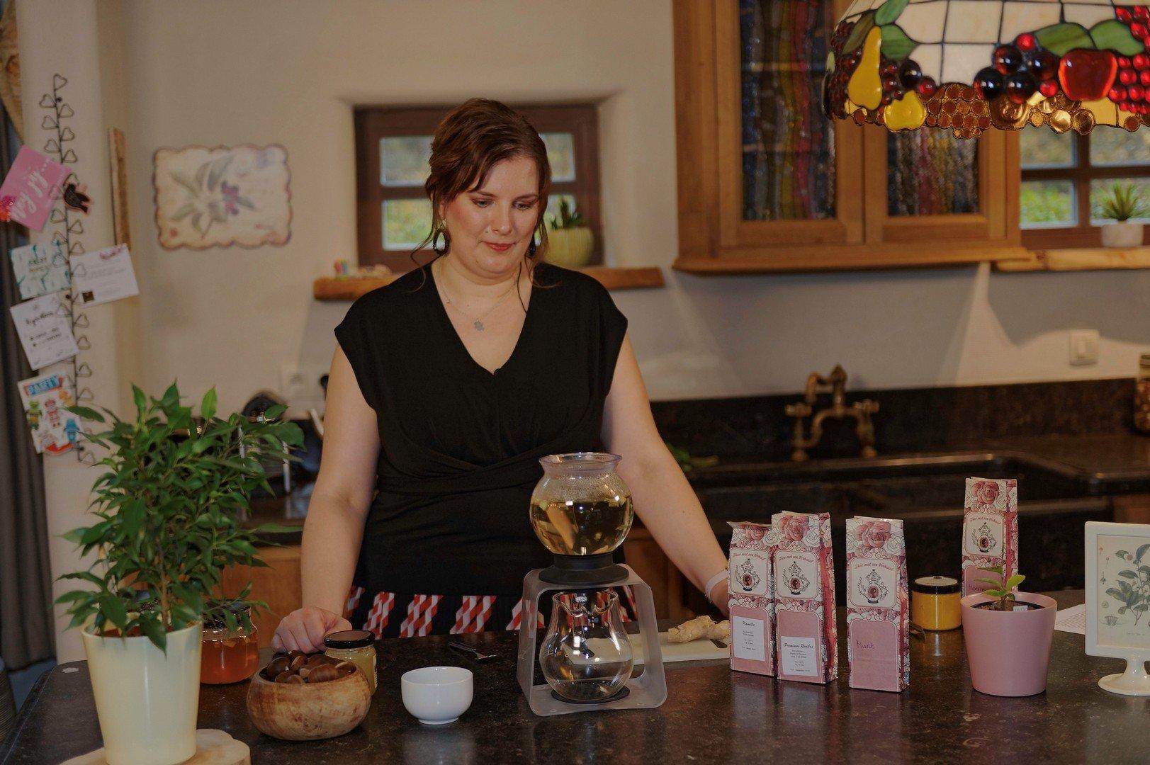 """Jessica Van Humbeeck: """"In februari stijgt het theeverbruik gevoelig"""" - Thee met een verhaal 2"""