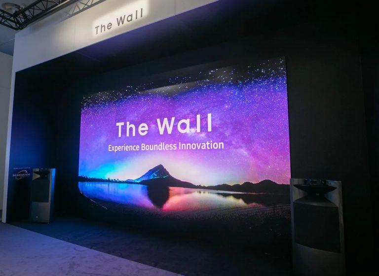 Samsung introduceert eerste 8K QLED signage display
