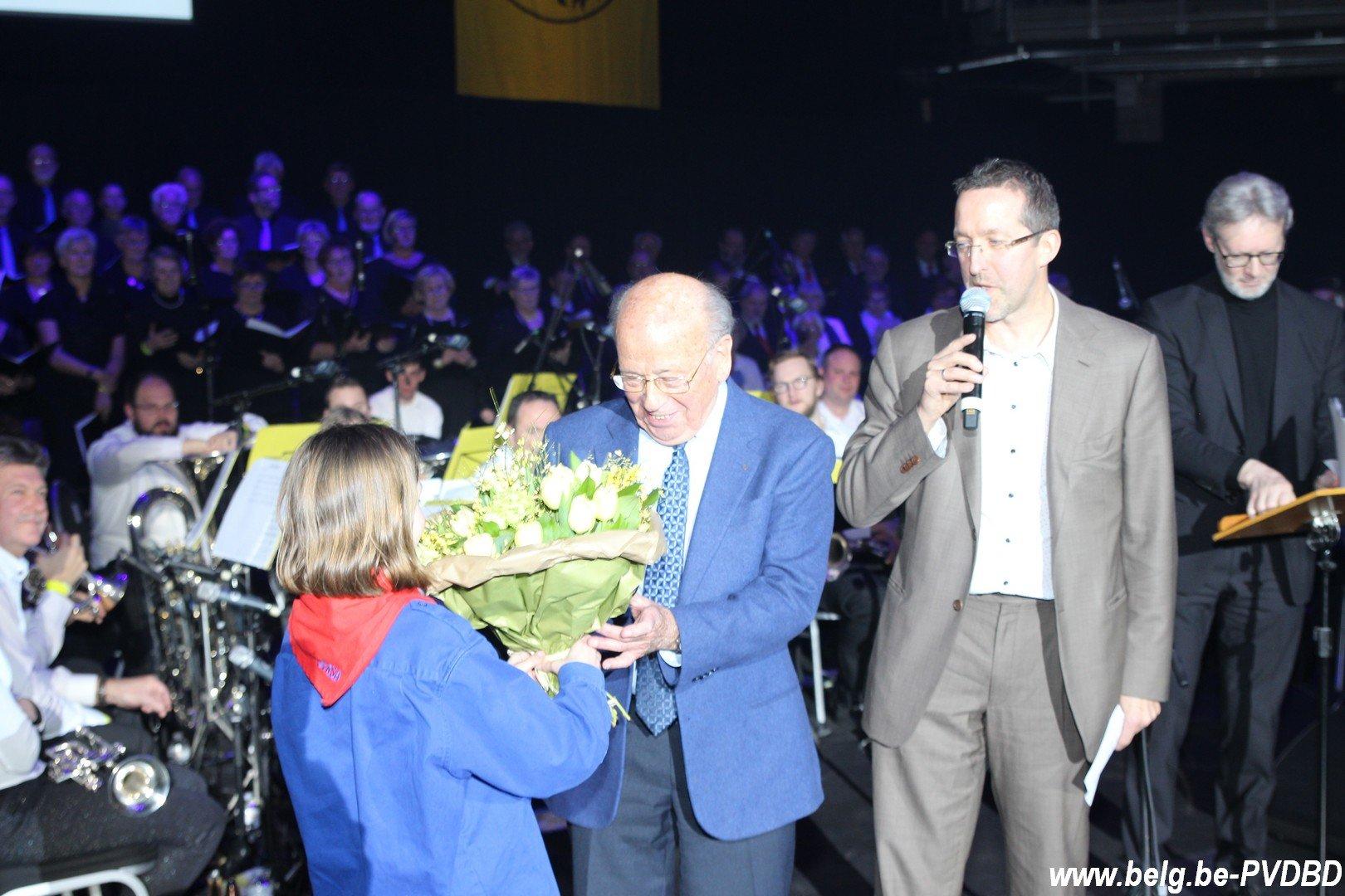 Dilbekenaar Jos Mertens (95) gehuldigd op 82e zangfeest - IMG 5328