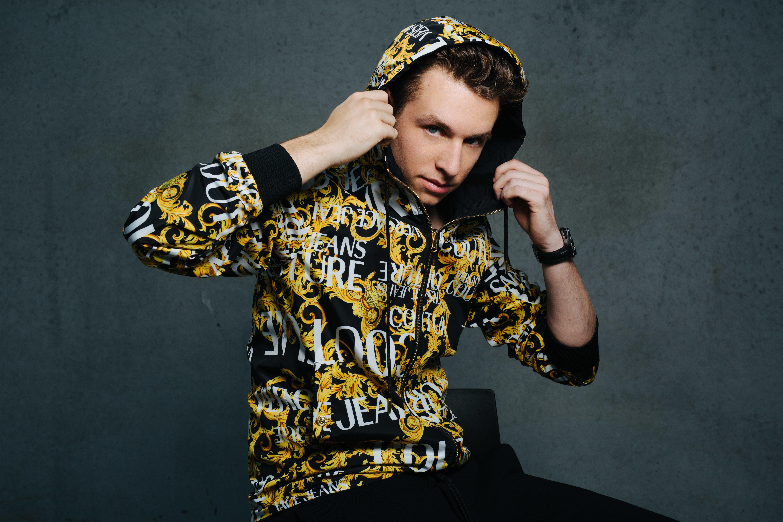 20 jarige dj/producer Tom Nash  lanceert debuutsingle 'On Your Side' - Tom Nash 1