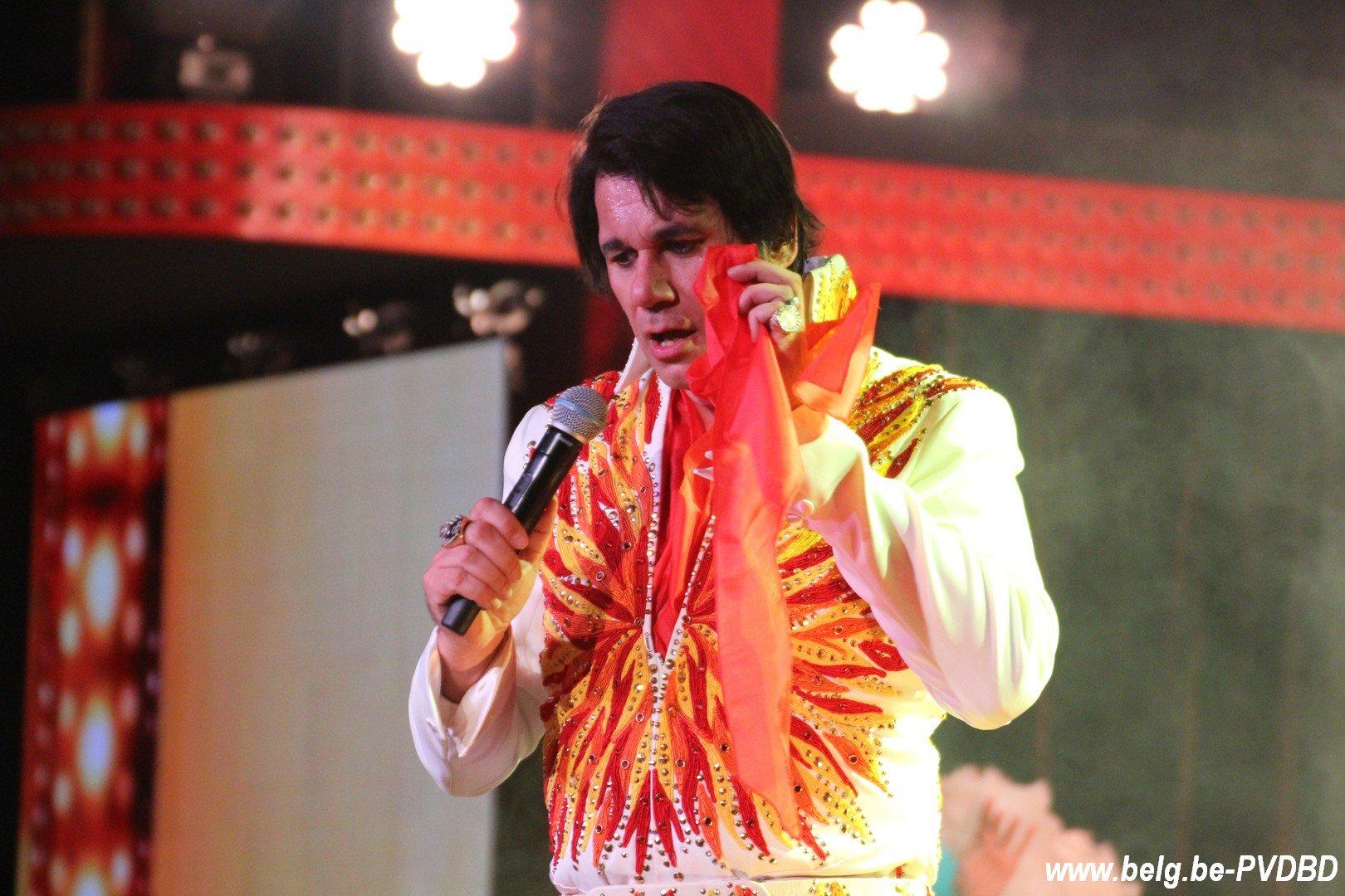 Elvis (Steve Ryckier) zet Witte Paard in vuur en vlam - IMG 6761