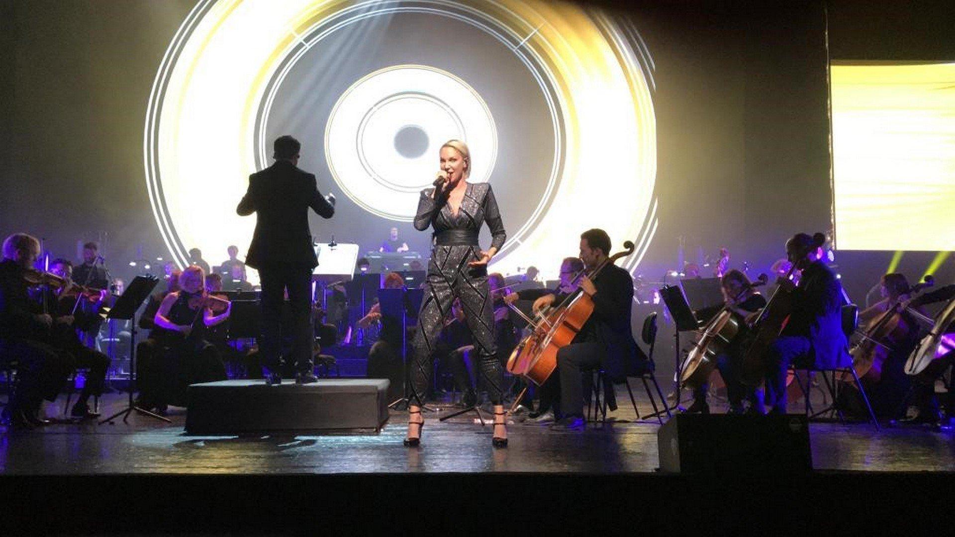 Het symfonische orkest in het Madrileense Real Teatro ontroert Kate Ryan - Kate Ryan 7