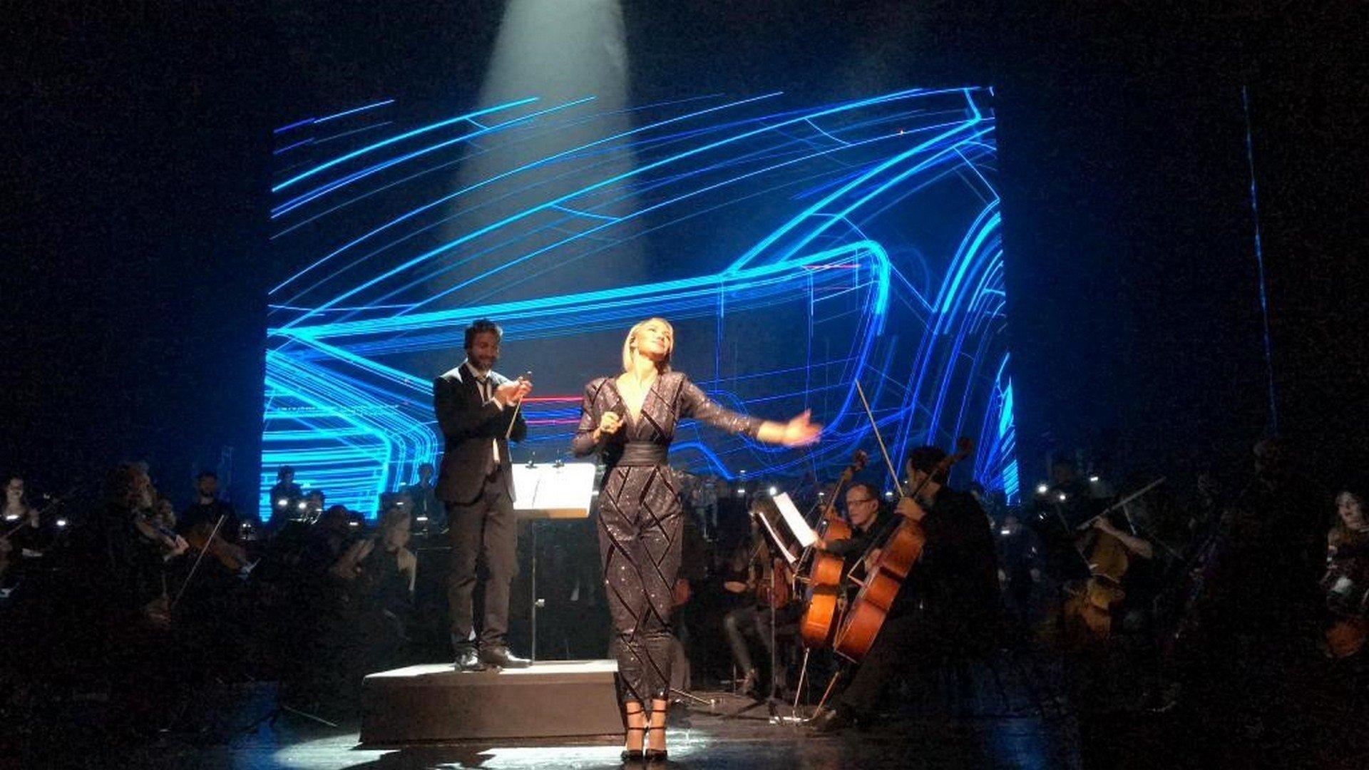 Het symfonische orkest in het Madrileense Real Teatro ontroert Kate Ryan - Kate Ryan 8