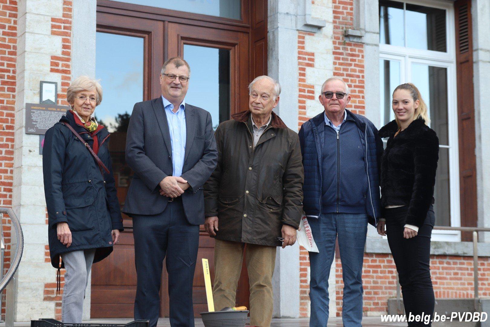 Dilbeek ontvangt 10.000 voorjaarsbollen van het kasteel van Groot-Bijgaarden - IMG 3650