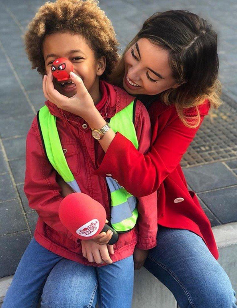 Kleurt Vlaanderen helemaal rood - Nora Dari