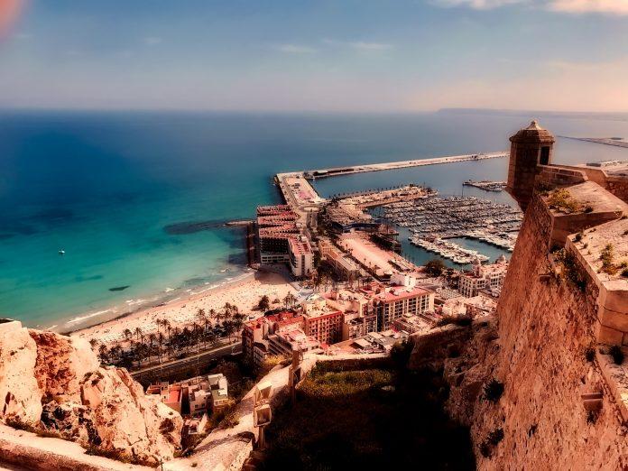 Alicante de parel van de Costa Blanca