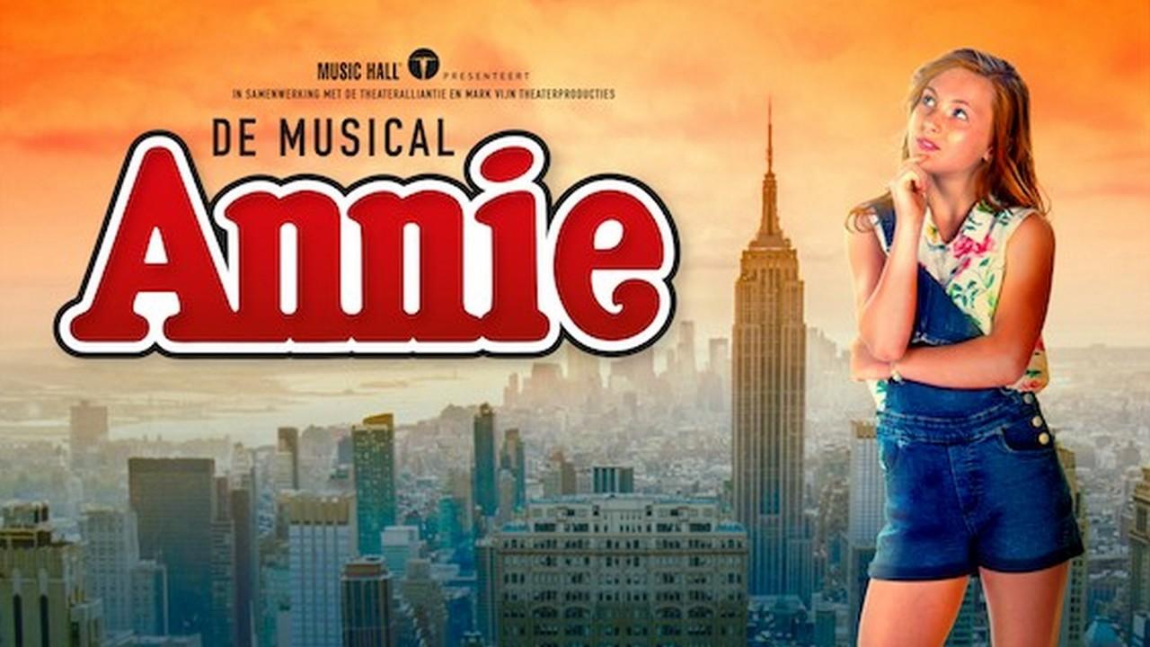 Willemijn Verkaik treedt op als 'Elsa' tijdens Oscars - Affiche Annie de Musical