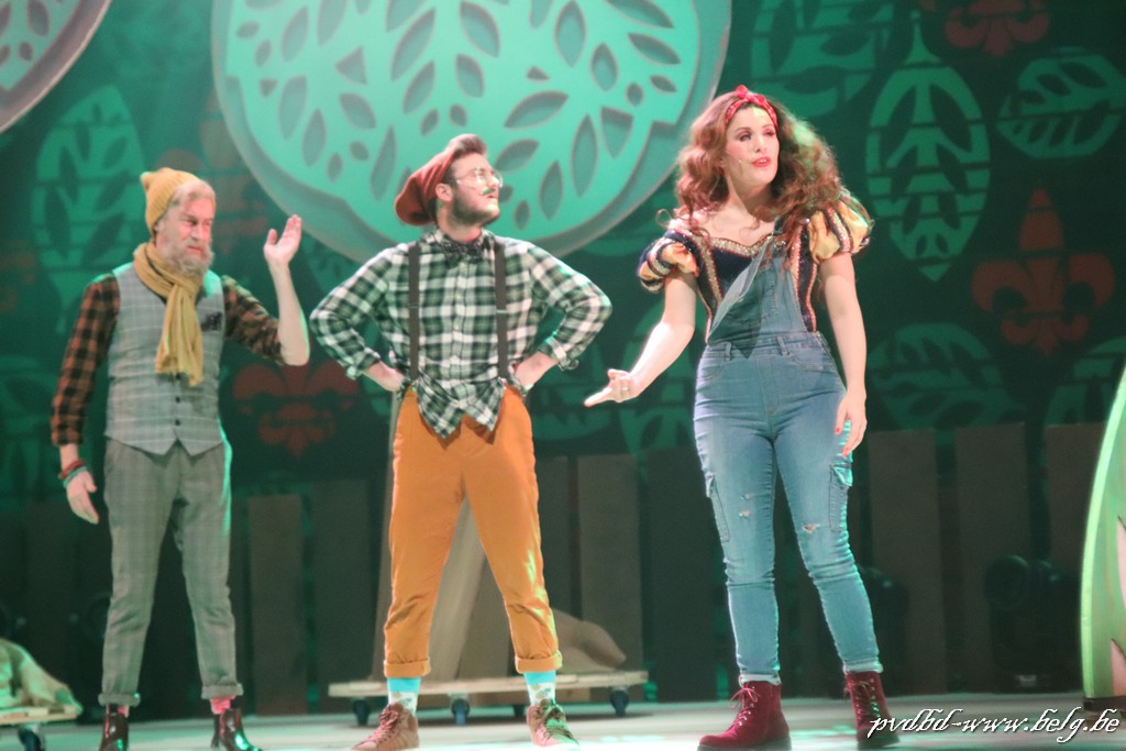 De gelaagde humor in Sneeuwwitje, de musical' is geweldig - IMG 4856