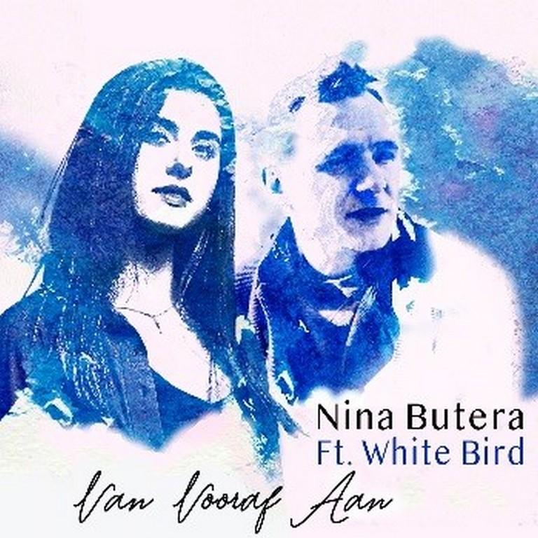 magistraal duet van Nina Butera en White Bird - Hoes Nina Butera ft White Bird Van Vooraf Aan