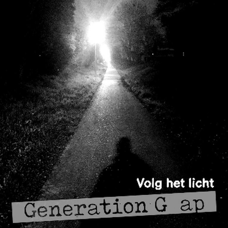 Generation Gap jurylid en zanger Stan Van Samang in een Nederlandstalig jasje - Hoes Generation G Ap Volg Het Licht