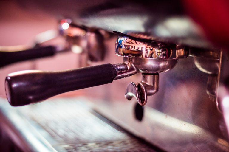 Wat is het verschil tussen een koffiemachine en een espressomachine?