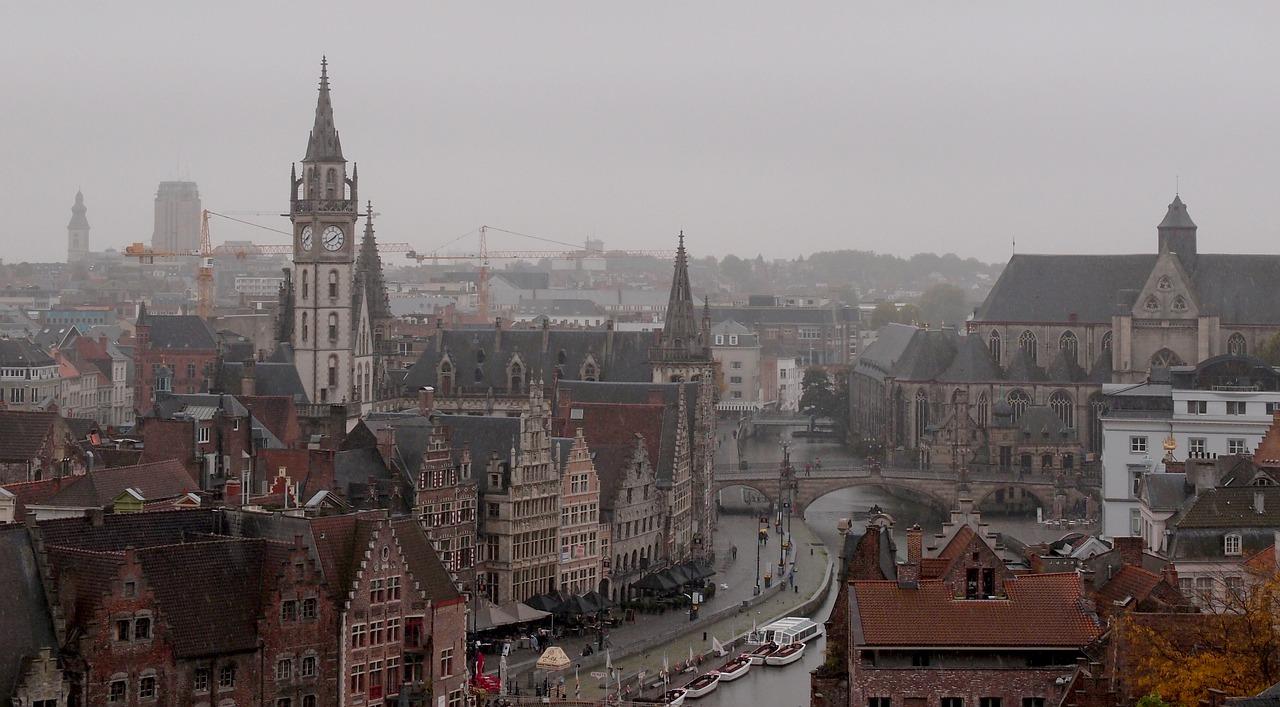 Gents stadsbestuur ondersteunt illegaliteit