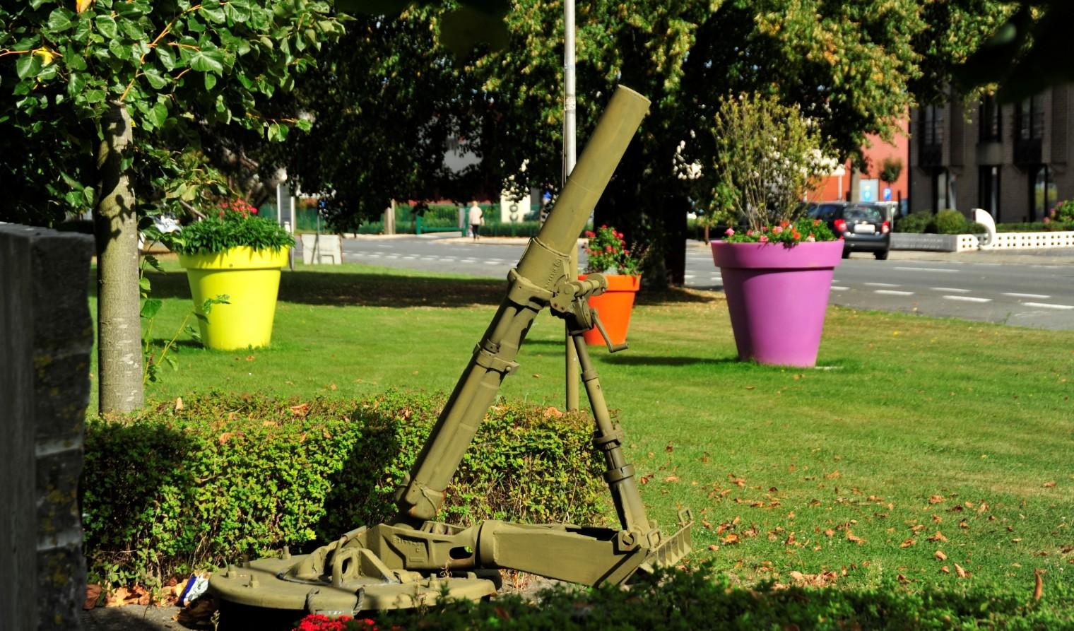 Haaltert kanon Militaire oefening in Haaltert tussen 19 april en 7 mei