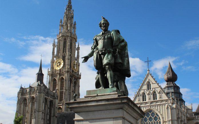 Klacht tegen Antwerps stadsbestuur over zaak-El Kaouakibi
