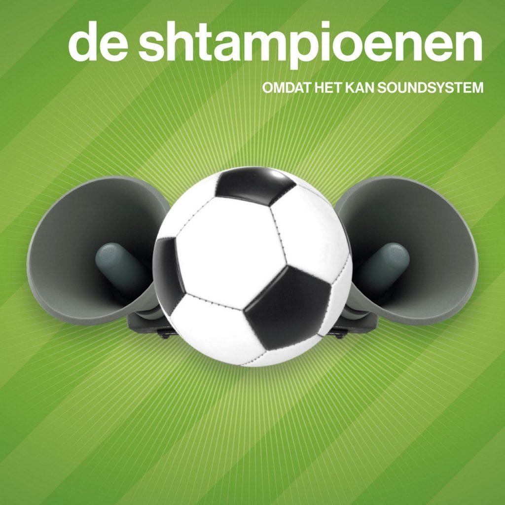 De Shtampioenen' hét voetbal-anthem van 2021 - De Shtampioenen
