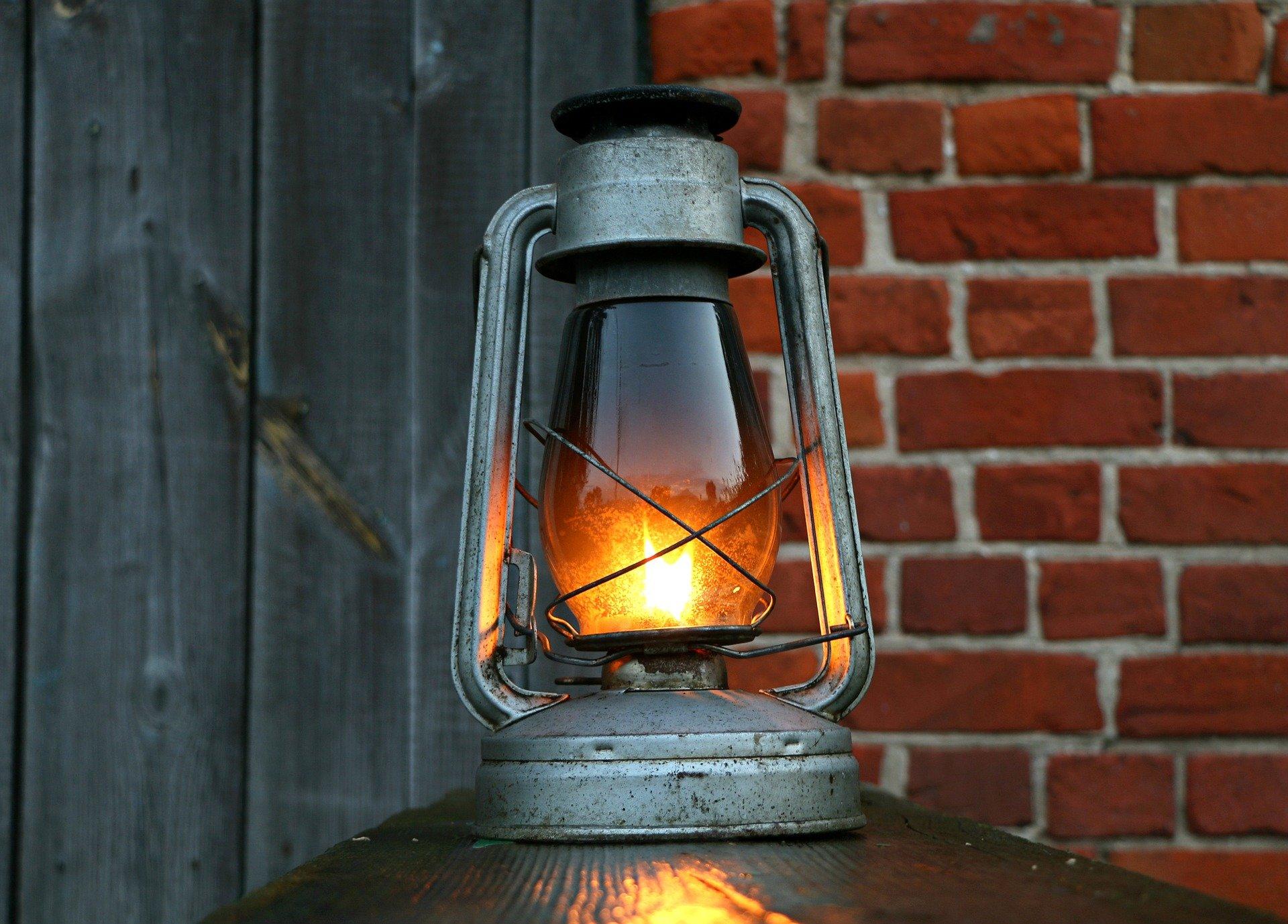 Verlichting door de eeuwen heen: van fakkel tot ledlamp