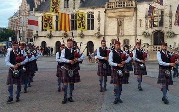 Red Cross Pipe Band op Wieze Oktoberfeesten 2021